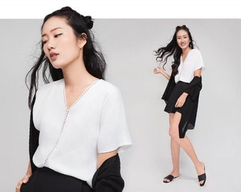 Black/ White blouse with lace detail