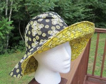 Black and yellow Reversible Sun Hat