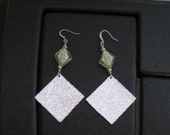 Diamond harmony ... hand-machined aluminum and glass beads