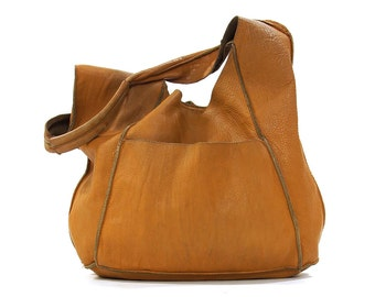 90s Soft Leather Hobo / Vintage 1990s Slouchy Butter Soft Brown Shoulder Bag / Patchwork Hippie Boho Large Purse / Aged Worn In Bucket Bag