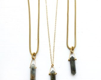 Labradorite stone amulet necklace//Crystal point necklace//Heart chakra//Throat Chakra//Snake chain necklace//Gift for yogi//Meditation