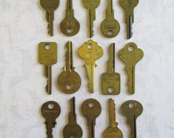15 Vintage Ornate Brass Keys