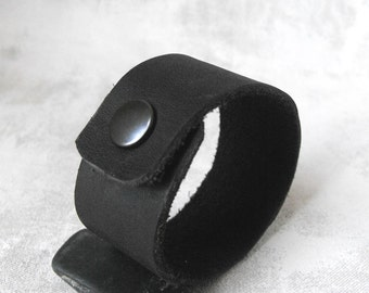 Black Leather Bracelet / Handcut Recycled Leather Cuff Bracelet Wristlet / Handmade  Eco Friendly Jewelry by Luluanne