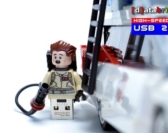 32GB USB Stick in a complete Lego® Minifigure Hunter
