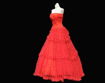 Vintage 50s Strapless Red Tulle Tiered Floor Length Holiday Evening Gown