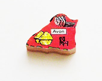 Avon England Brooch - Lapel Pin / Unique Wearable History Gift Idea / Upcycled 1960s Wood Puzzle Piece / Timeless Gift Under 20