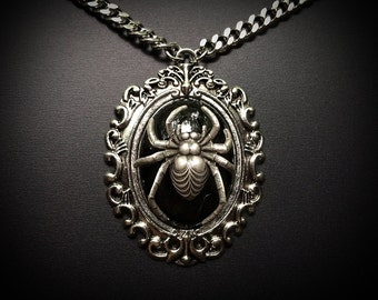 Large Spider Necklace // Spider Pendant // Halloween Necklace // Gothic Necklace // Spider Jewelry // Halloween Jewelry // Wiccan Jewelry