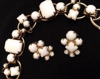 Vintage JULIANA White Milk Glass Bracelet Earrings Set 1960s DELIZZA & ELSTER 5-Link Gold-Tone Chunky Bracelet ClipOn Earrings Wedding Bride
