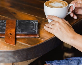 time traveler wallet: Black Jumbo Crock
