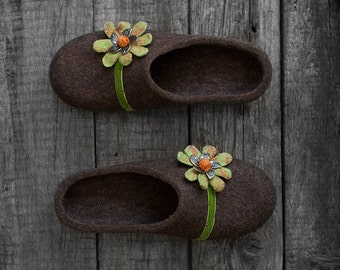 Felted slippers with flowers Limited edition womens slippers Warm gift for her Natural coffee brown wool house shoes with soles