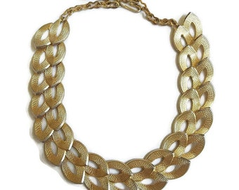 Vintage Choker Necklace with Textured Leaves Gold Tone Link