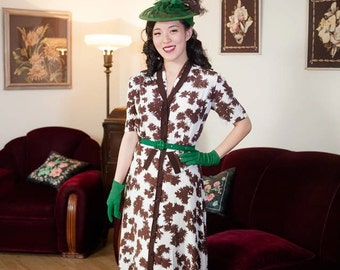 Vintage 1940s Dress - Bold Brown and White Floral Print Rayon 40s Day Dress with Shirtwaist Buttons and Peplum Hips