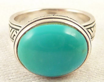 Size 6 Vintage Oval Turquoise and Patterned Sterling Ring