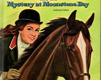 1962 ANNETTE & The Mystery at Moonstone Bay VINTAGE BOOK Walt Disney Whitman Girls Fiction