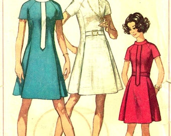 Vintage 1960s A Line Dress Round Neckline Raglan Sleeves Front Pleats Sewing Pattern Simplicity 8088 Size 14 Bust 36