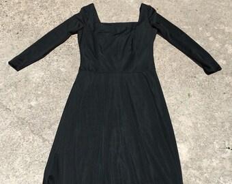 1960s Vintage Little Black Dress - Fringe Hem  - Midi Length - Plain Elegant Cute - Modest Semi Formal Dress - Classic Style - 36 Bust