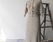 1930s/40s natural wool knit fitted cardigan and skirt suit