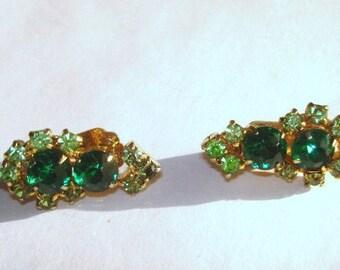 Green Rhinestone  Vintage Jewelry Clip Earrings Gold Tone .