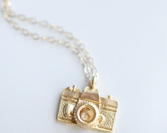 Photographer Gift - Gold Camera Necklace - Layering Necklace - Vintage Camera Charm - Photography Necklace - Gift Under 40 - Gift for Her