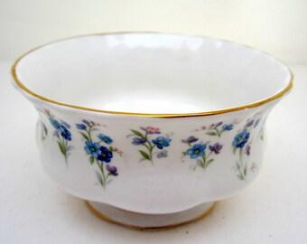 MEMORY LANE Royal Albert Open Sugar Blue Flower Sprigs, Scalloped Edge