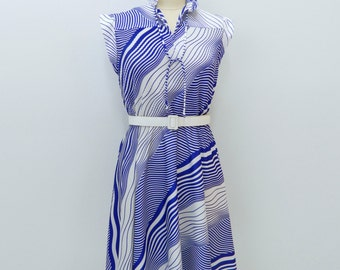 1970s Polyester Dress ... Vintage 70s Op Art Dress .... Purple and White ... Size Large to Extra Large