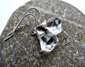 Clear quartz earrings, rock crystal earrings, bridal earrings, gemstone pentagon earrings, clear quartz silver earrings, birthstone earrings