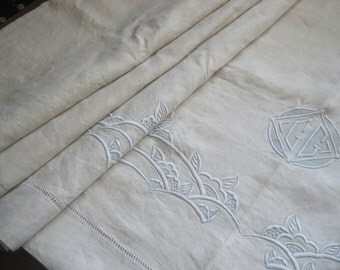 Stunning French Art Deco pure linen sheet. XL, unused, wonderful!  Fabulous bedding, curtain, blind, tablecloth, bedroom decor