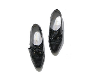 Vintage Leather Oxfords 8.5 / Black Leather Oxfords / Patent Leather Brogues