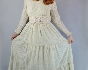 Vintage 70s Women's Cream Ecru Boho Prairie Reniassance Lace Long Sleeve Maxi Hippie Spring Summer Wedding Long Gown Dress