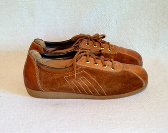 1970s rust suede tennis shoes / hipster orange brown leather lace up sports shoe / size 6