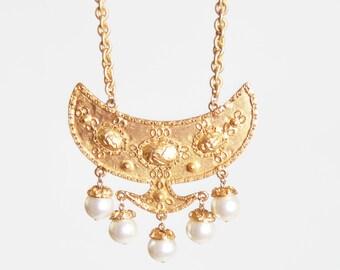 Vintage 60s 70s ETRUSCAN Pearl Bib Pendant Necklace