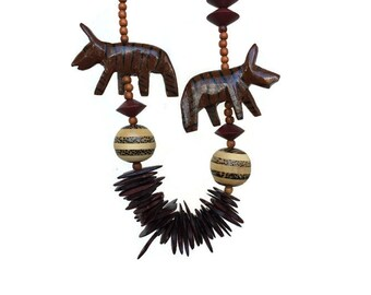 Vintage carved wood animal necklace, Tribal beaded wood statement necklace, Vintage jewelry