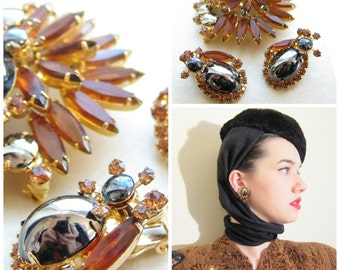 Vintage Juliana D & E Demi Parure Topaz Hematite Set / 1960s Brooch and Clip On Earring Set in Rootbear Orange, Gold, Grey