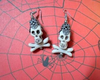 Skull and Crossbone Earrings (2341)
