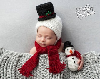 Newborn Snowman Bonnet and Mini Stuffed Snowman Set/ Snowman Hat/ Newborn Snowman Prop/ Christmas Photo Prop/ Winter Baby Hat/ MADE TO ORDER