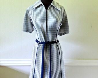 vintage navy/white knit dress - 1960s mod collared knit dress