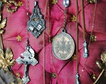 Ava Maria Medallion Lariat