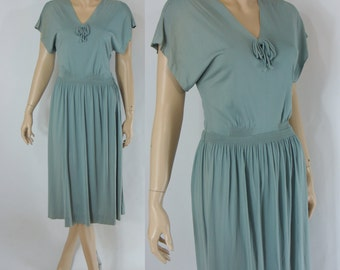 SALE Vintage Forties Dress - 1940s Seafoam Rayon Dress - 40s Sage Green Dress -  XS 40s Dress - Small 1940s Dress