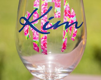 Lilly Monogrammed Wine Glass - Lilly Inspired - Personalized Wine Glass - Bridesmaid Gift - Circle Monogram