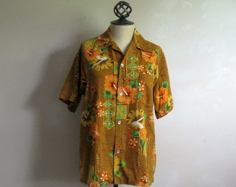Vintage 1970s Hawaiian Shirt ColorfulFloral Summer Short Sleeve Cotton Print Men's Shirt Medium