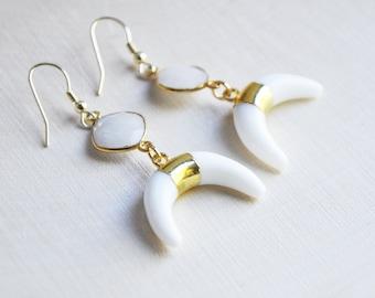 White Horn Earrings, White Moon Earrings, White Onyx Earrings, Crescent Moon Earrings, White Boho Earrings, Bohemian Earrings