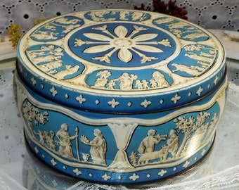 Vintage Circular~Huntley and Palmer Biscuit~Wedgwood style Greek Tin Blue- good condition