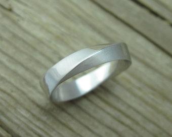 Mobius Wedding Band, 5mm Mens White Gold Wedding Ring, Mobius Wedding Ring, Modern Mens Wedding Band, Modern Mobius Strip Wedding Ring