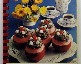 Dalton United Presbyterian Women's Association Dalton Ohio Cookbook 1978 A treasury Of Favorite Recipes SC/SB