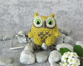 Charm Mini Owl, bird pendant with snap hook, small stuffed toy, gift idea for bird lovers, funny accessory with baby owl, cute birdie owlet