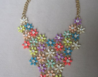 Daisy Bouquet in Cheerful n Exciting Colors of Summer Bib Necklace