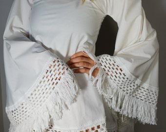 Vintage Handmade Dress XS White Tunic UpCycled Groovy Bell Sleeves Mod Folk Boho Hippie Gypsy Bohemian Wedding Spanish Retro Festival Mini
