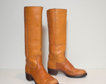 7 1/2 B | Women's Vintage Black Label Frye Campus Boots in Honey Brown Leather