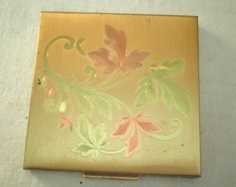 1950's Compact Elgin Powder Compact Engraved Leaf Design