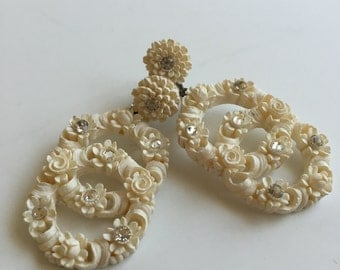 Featherweight Celluloid Wedding Cake Earrings Vintage Screw Backs